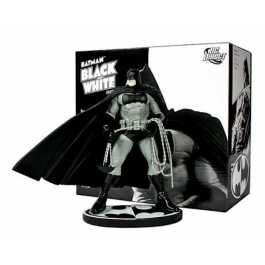 BATMAN-BLACK & WHITE MINI-STATUE DESIGNED BY FRANK MILLER
